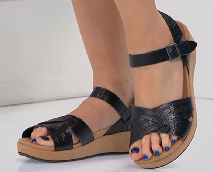 Revitalign Orthotic Starfish Wedge Sandal by Gabby Reece,  Size US 11, MSRP  120