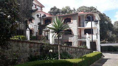 Casa en Cerrada en Renta en Santa Rosa Xochiac (504874) ( 4 recámaras, 3.5 baños, 332m2)