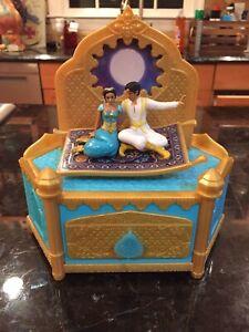 Rare-Vintage-Disney-039-s-Aladdin-amp-Jasmine-on-Carpet-Music-Box-A-Whole-New-World