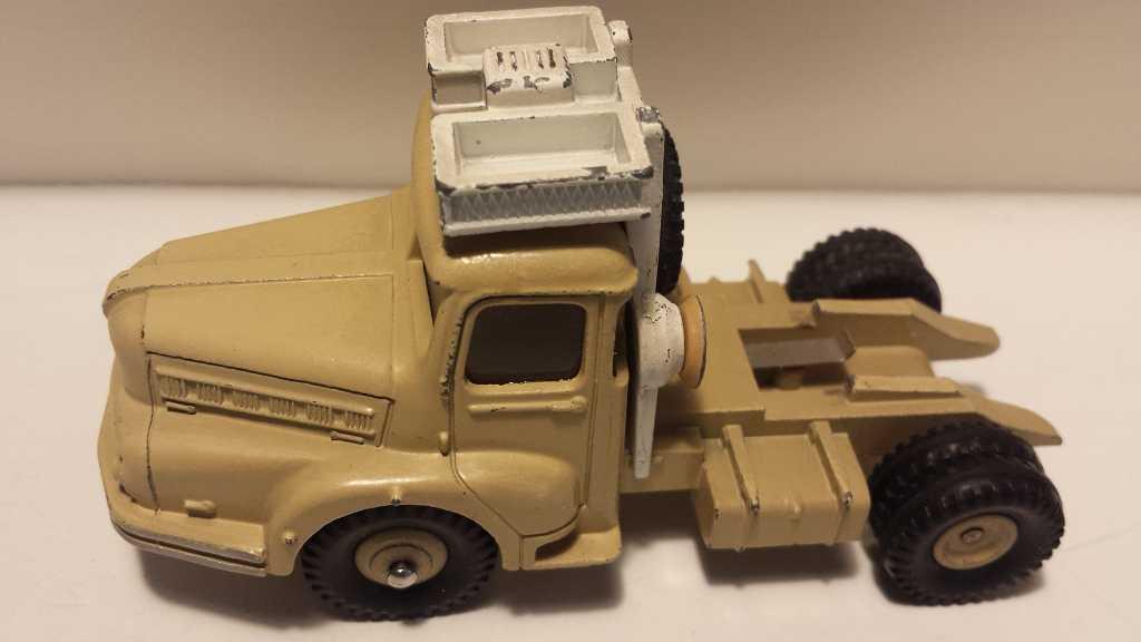 diseño simple y generoso Dinky france 50er camión tractor Unic Unic Unic muy bien conservados no  reedición   ordene ahora los precios más bajos