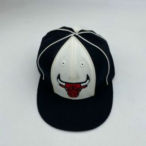 Reebok Chicago Bulls Black Fitted Hat Size 7 3/8