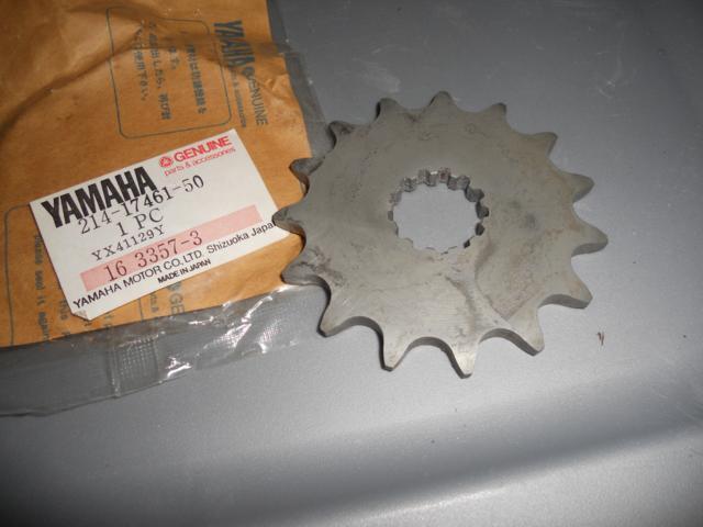 NOS Yamaha RT1 DT1MX 2nd Wheel Gear 33T 214-17221-60