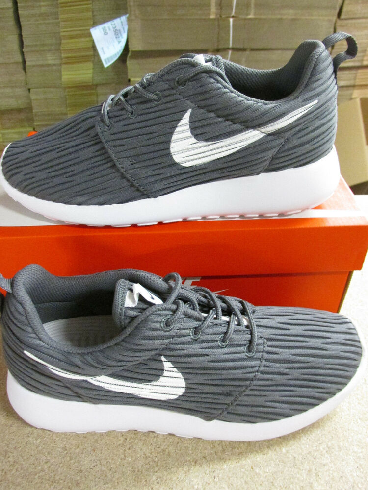 Nike femme roshe one eng fonctionnement baskets 833818 011 baskets chaussures-
