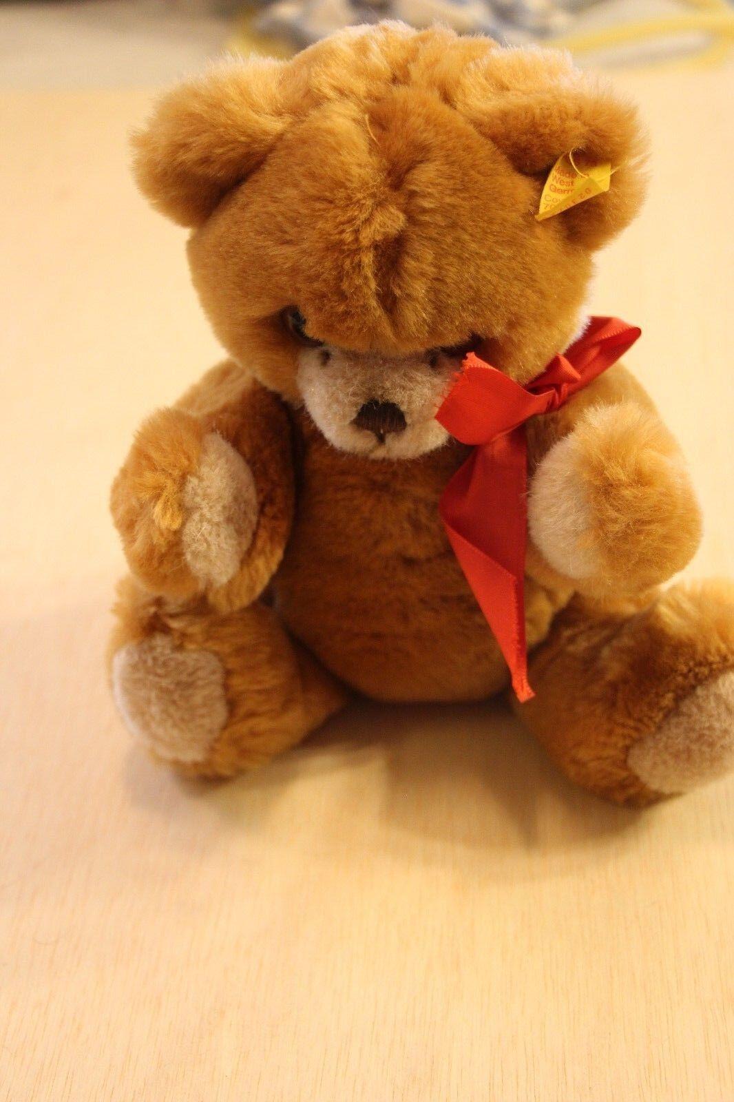 15  Steiff rot Petsy Bear EAN 023035