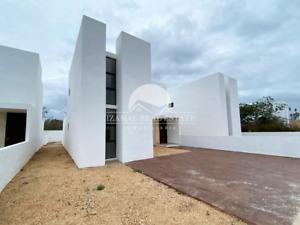 Casa en venta de 3 recámaras ZELENA RESIDENCIAL mod Lunare