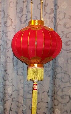 Vintage Traditional Chinese Red High Quality Silk Lantern – with Yellow Tassel