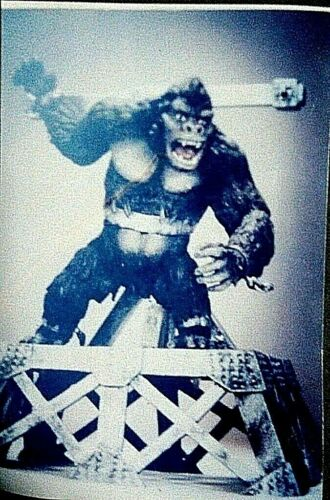 """8/""""KING KONG on Base Classic Movies Resin Model Kit none scale"""