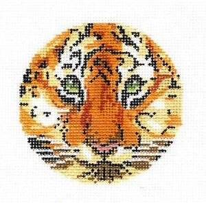 """Tapestry Fish Scale Design handpainted Needlepoint Canvas 3/"""" Rd 18 mesh by LEE"""