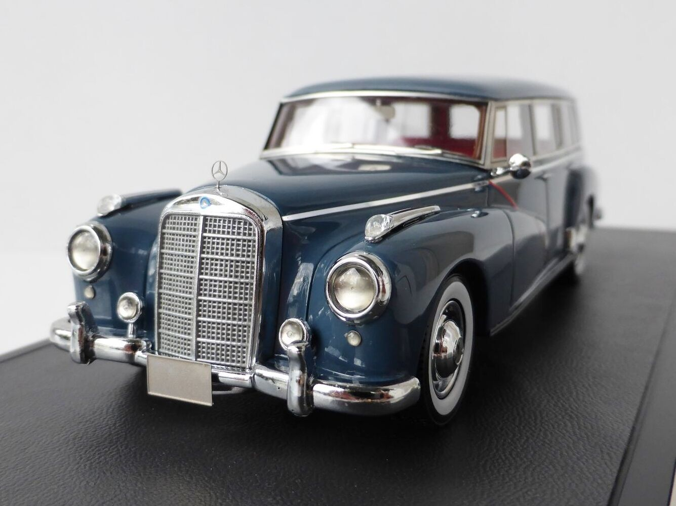 Binz Mercedes-Benz 300 C WAGON 1956 1 43 Matrix mx51302-022 mx51302 Break Kombi