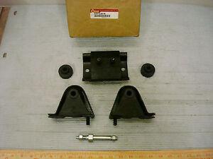 Crown Automotive 52019201K Motor Mount Kit