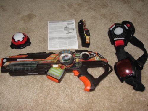 WOWWEE LIGHT STRIKE ASSUALT STRIKER XR MO23 LASER TAG GUN PISTOL && ACCESSORIES