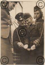 Foto, Kriegshilfsdienst, Schaffnerin, Strassenbahn, Berlin, Müllerstraße, 1941 3