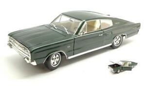 Dodge Charger 1966 Vert Foncé 1:18 Modèle Lucky Die Cast