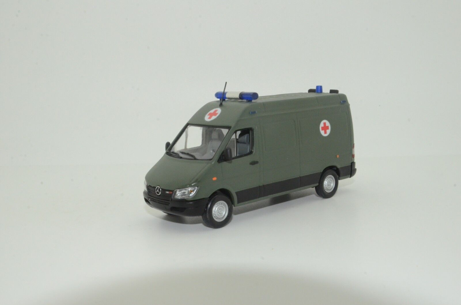 MEGA RARE    Mercedes Sprinter Army Ambulance Custom Made First generation 1 43