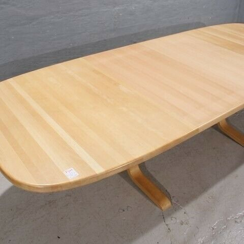 Spisebord, Spisebord i bøgetræ  - Kr. 1350,-