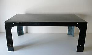 Table-basse-de-Marc-Berthier-pour-Prisunic-en-fibre-de-verre-noir-1970