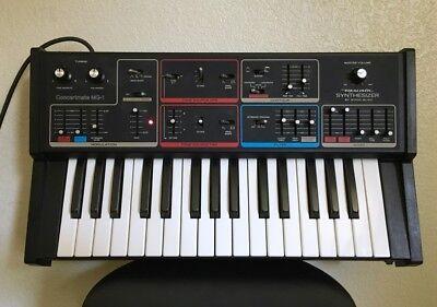 MOOG MG-1 REALISTIC ANALOG POLYPHONIC SYNTHESIZER minimoog source RARE VINTAGE