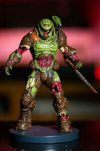 Doom-Eternal-Zombie-Doom-Slayer-Statue-Figure-8-034-Polyresin-Doomguy-Bethesda
