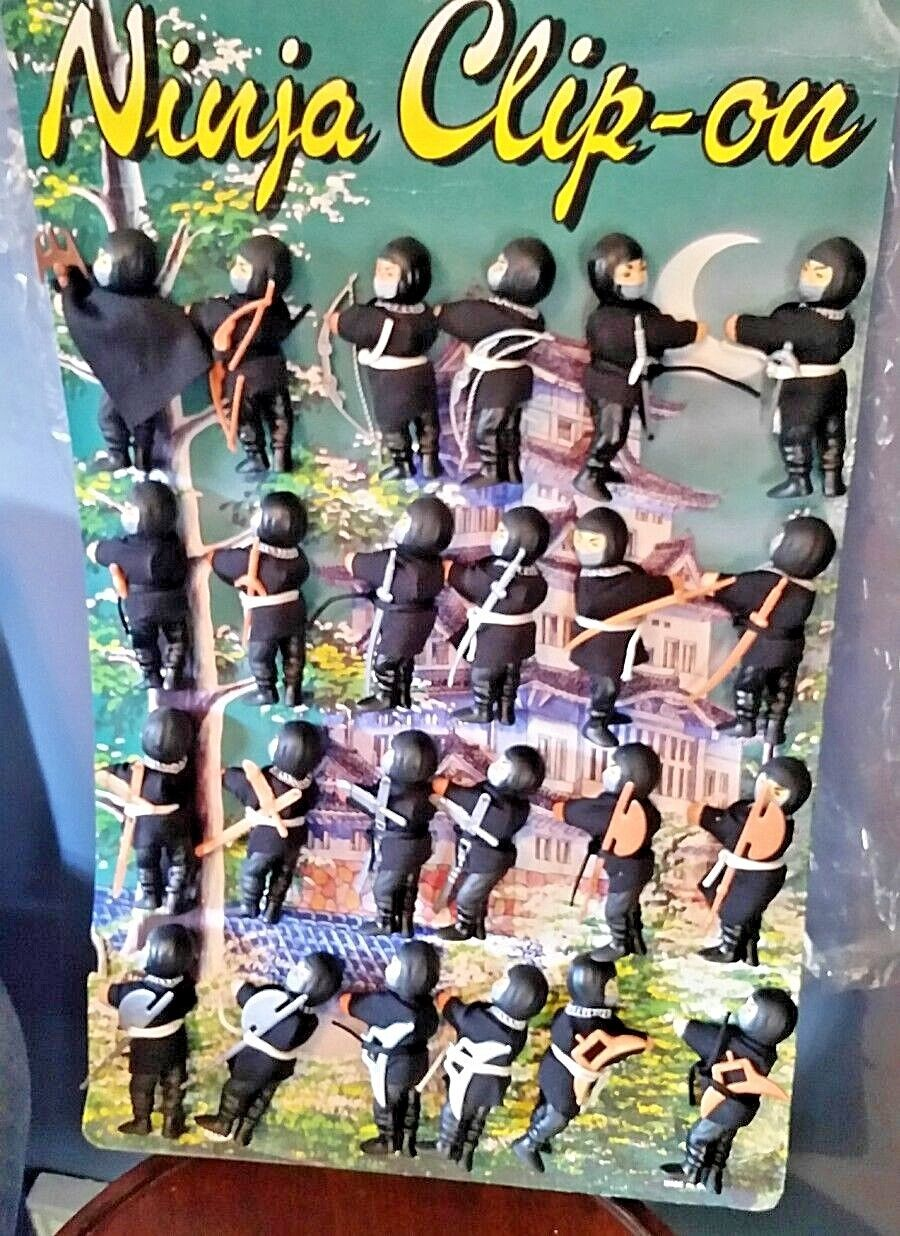 24 Tyco clip-on 3.5  Ninja figures with Display & extra weapons  Ray Rohr Estate