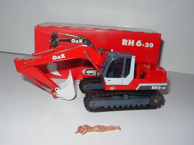O&k RH 6-20 Excavateurs tieflöffel vers à soie  334.3 NZG 1 50 neuf dans sa boîte