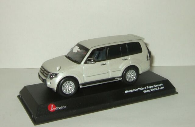 Mitsubishi Pajero 4x4 Long Super Exceed White 143 J Collection JCP81001WH