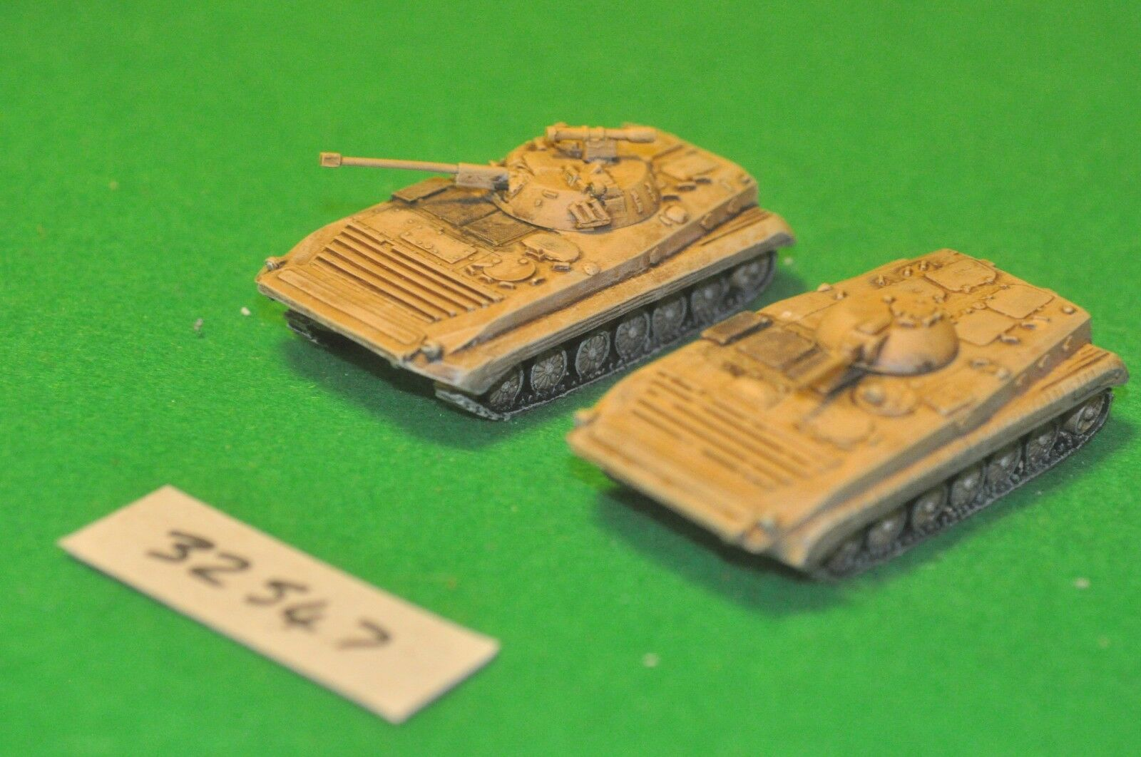 20mm modern   middle east - 2 vehicles (as photo) - vehicle (32547)