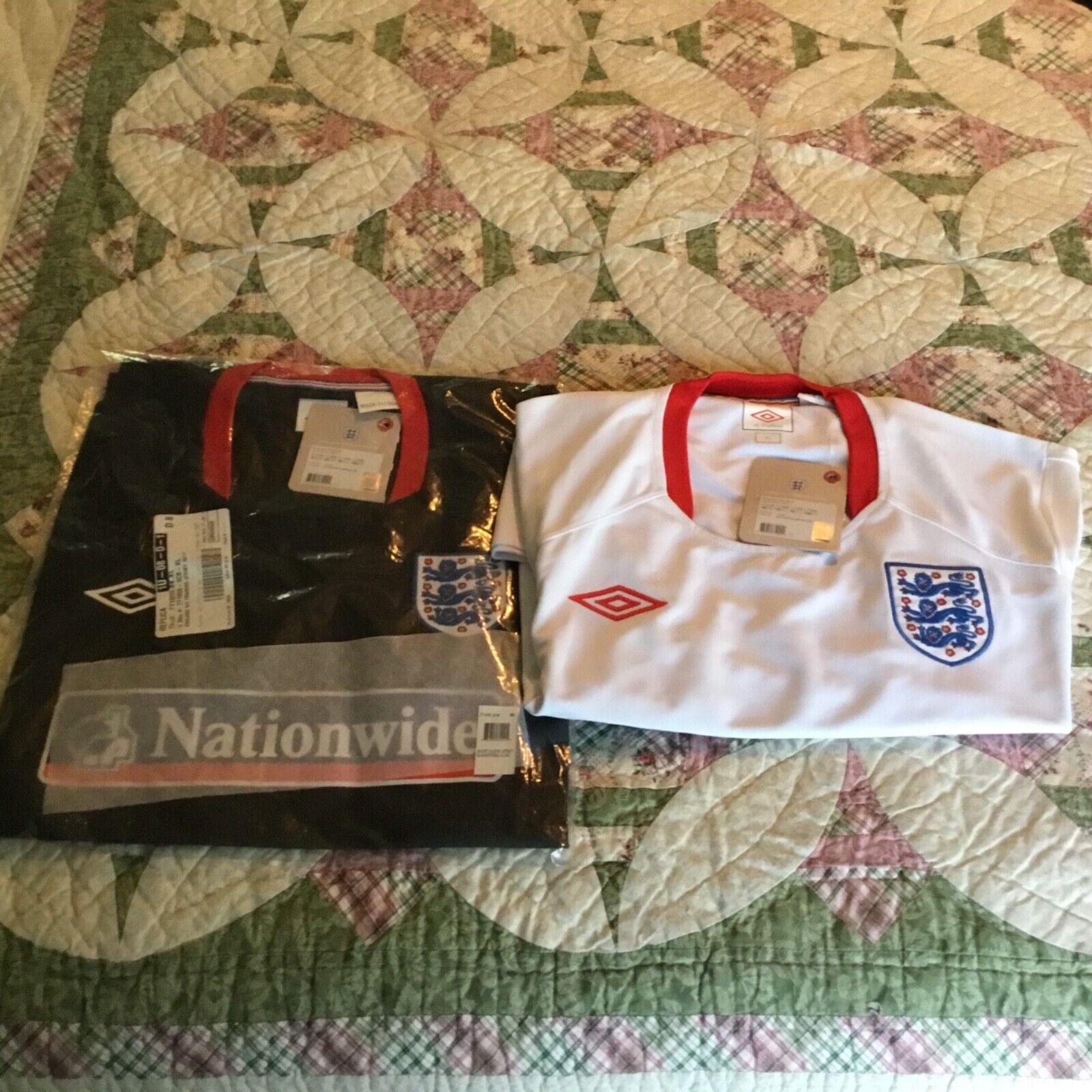 Lote de 2 camisetas de entrenamiento nacional de fútbol Inglaterra, hogar y lejos Nuevo con etiquetas, XL, UMBRO