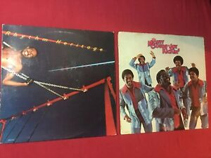 2-SOUL-LPs-gt-The-Mighty-Clouds-Of-Joy-Kickin-039-amp-Rhythm-Heritage-Sky-039-s-The-Limit