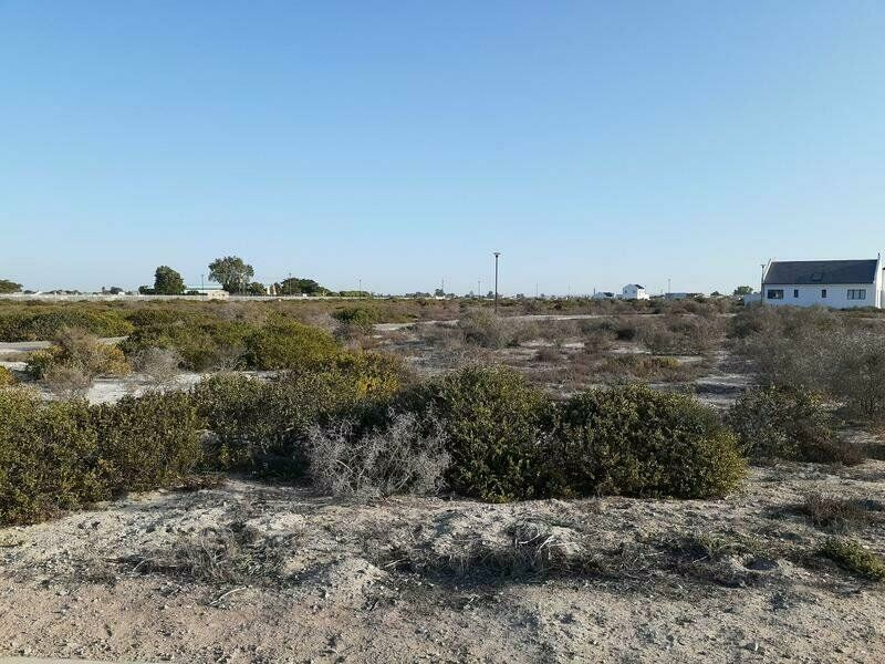 Stunning private plot and plan and investment for your retirement walking distance from the sea!