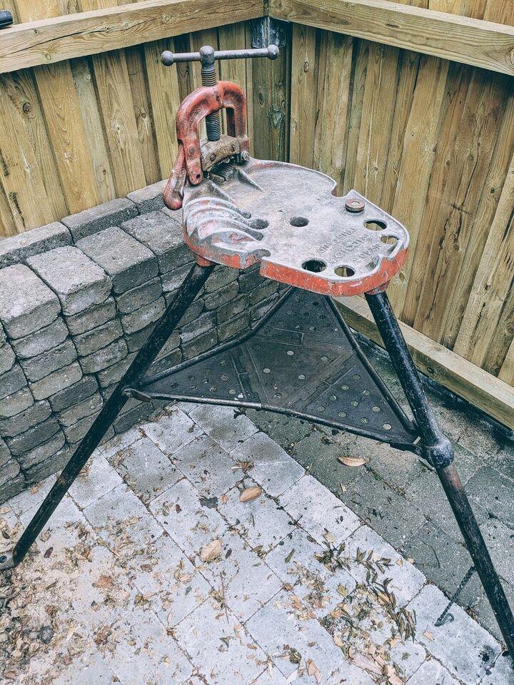 Tilbehør til håndværktøj, Rigid Trisdant trefod