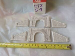 Agressif 2x Tunnel & 4 Walls, N Scale Gauge- Fine Block Stone Style- Painted Set