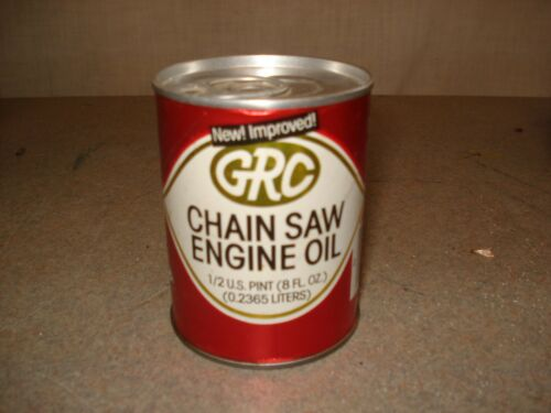 VINTAGE 8 OZ FULL GRC 2 CYCLE CHAINSAW MOTOR OIL CAN