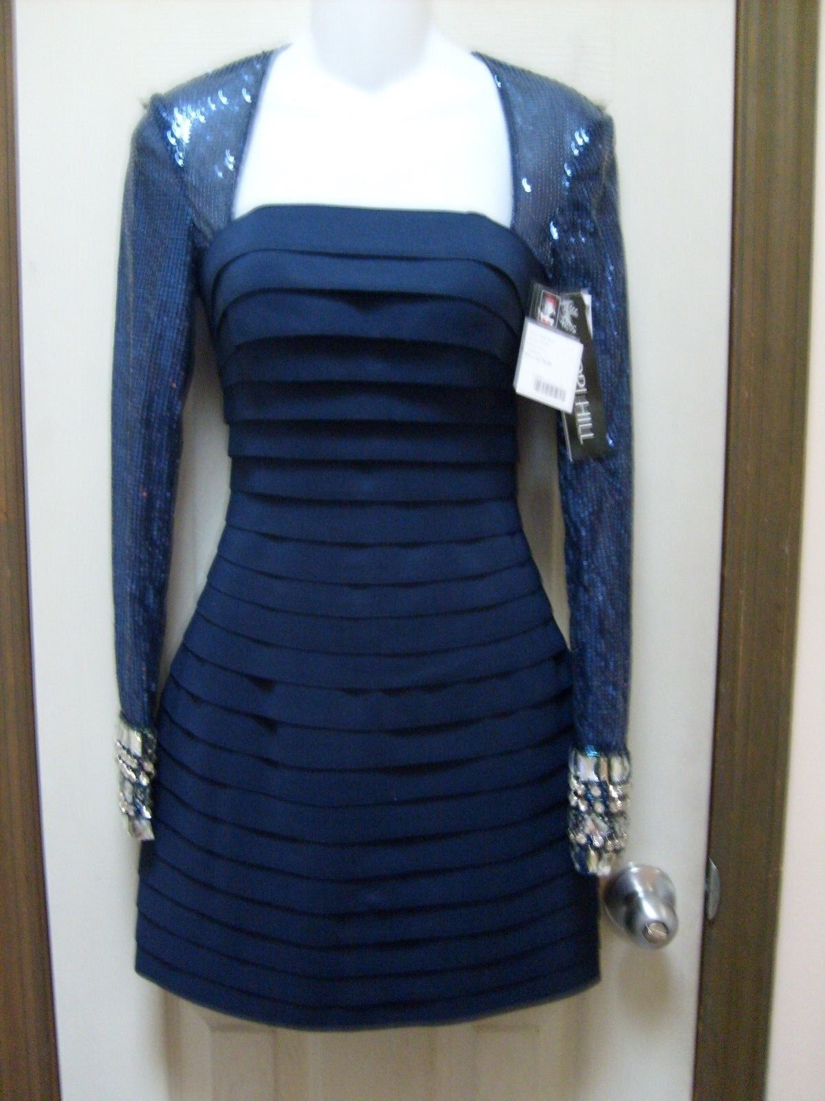 Sherry Hill Short Prom Dress- Size 0. New c/ tag retail