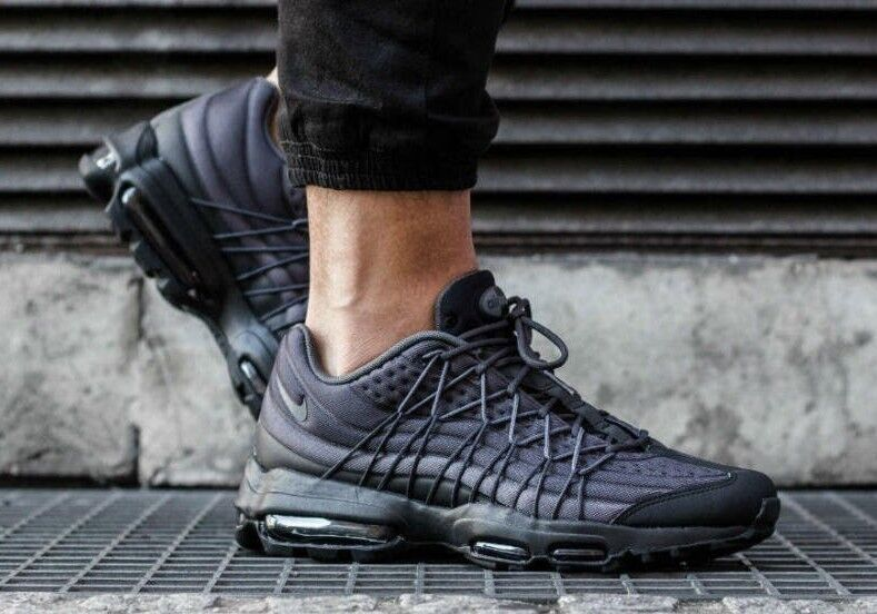 NIKE AIR MAX 95 ULTRA SE SE ULTRA Noir Anthracite Taille UK 8 EUR 42.5 c4a135