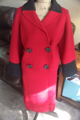 VTG VINTAGE RED MADE ITALY SKIRT SUIT WOMEN KNIT B