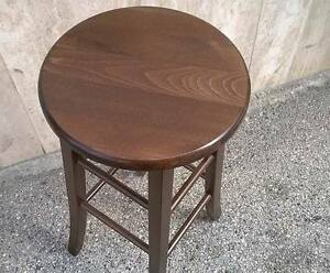 Sedia sgabello legno tondo massello noce bar pub ristorante
