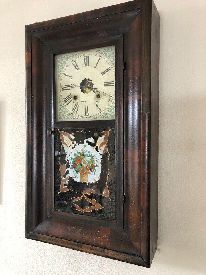 Vægur, Waterbury Clock co