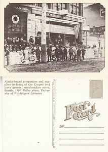 ALASKA-BOUND-PROSPECTORS-IN-SEATTLE-c-1898-UNUSED-REPRODUCTION-POSTCARD