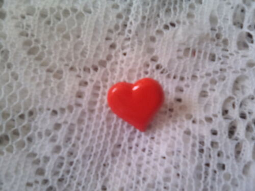 5 HEART SHAPE BUTTONS in 5 DESIGNS