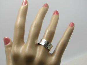 Silver-Plated-Wide-Band-Ring-Hammered-Signed-CW-Size-7-4-68gr