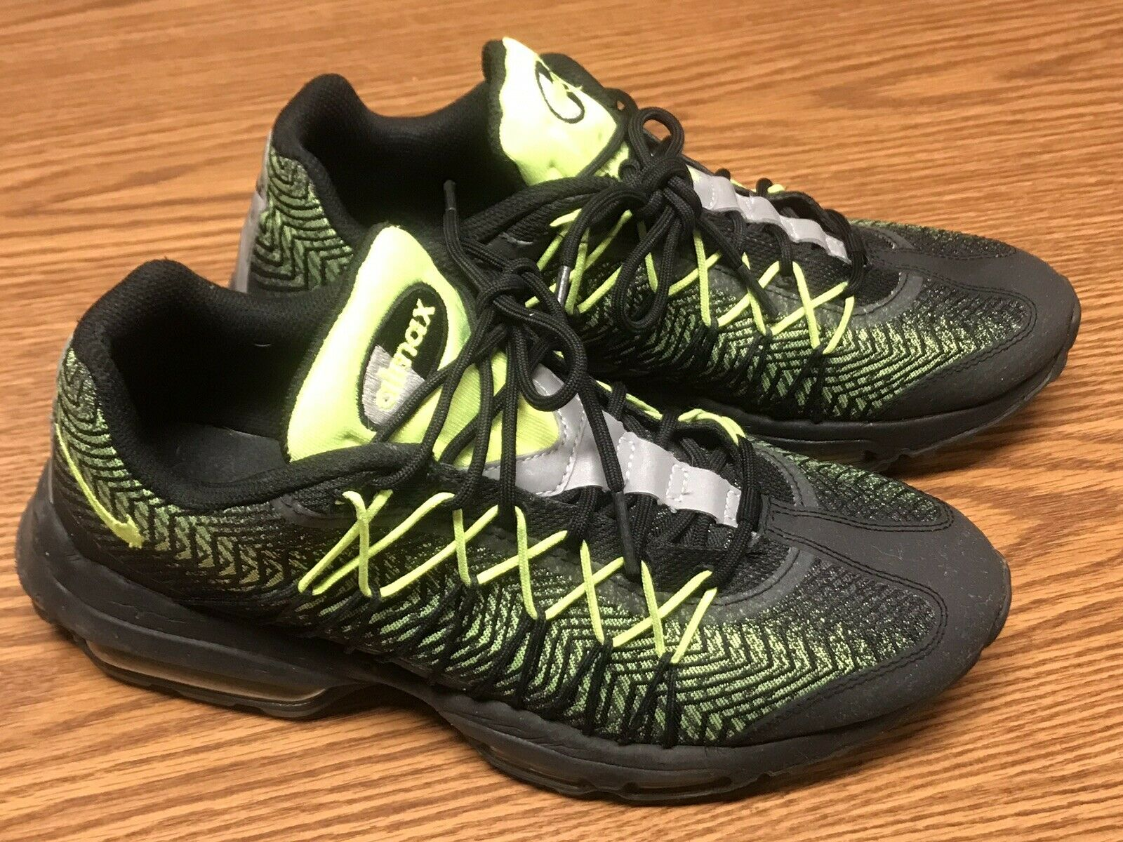 Nike 749771-007 Mens Air Max 95 Ultra Jacquard Black Volt Running shoes Sz 8 RARE