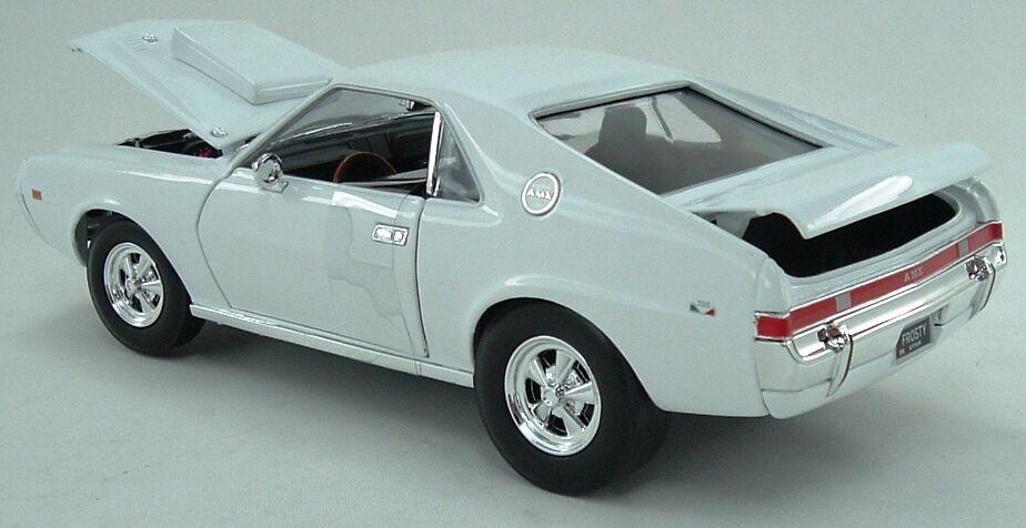 1969 AMX Hurst Super Stock biancao 1 18 Auto World 979
