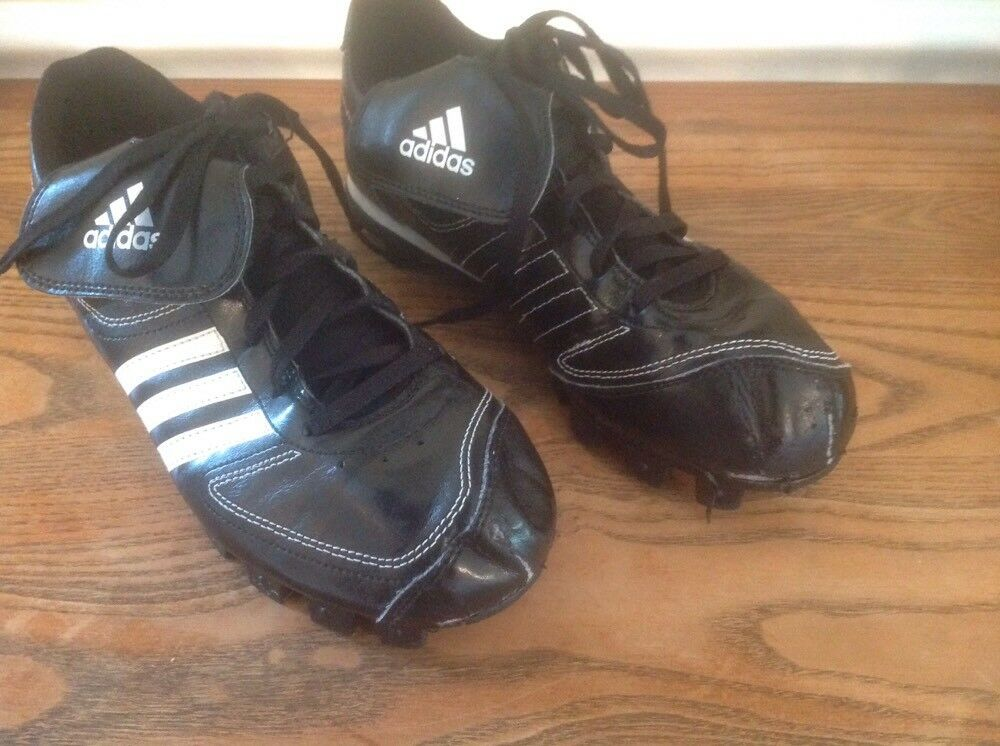 ADIDAS SOCCER CLEATS SZ 6 BLACK WITH WHITE NICE