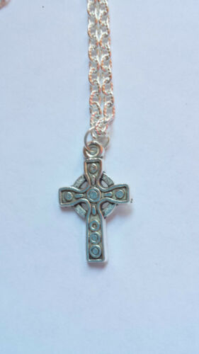 antique silver cross crucifix pendant necklace silver plated 20 inch chain