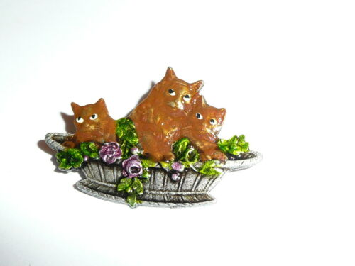 """Brown Cats Basket Button 1-1//2/"""" x 1/"""" Kitty Cats in Basket Metal Shank Button"""