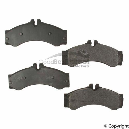 New OPparts Semi Met Disc Brake Pad Set D9497848BR2102 0044202420