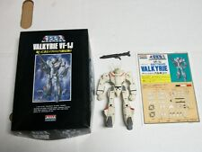 Macross 1/100 VF-1J BATTROID VALKYRIE Arii Model Kit Robotech