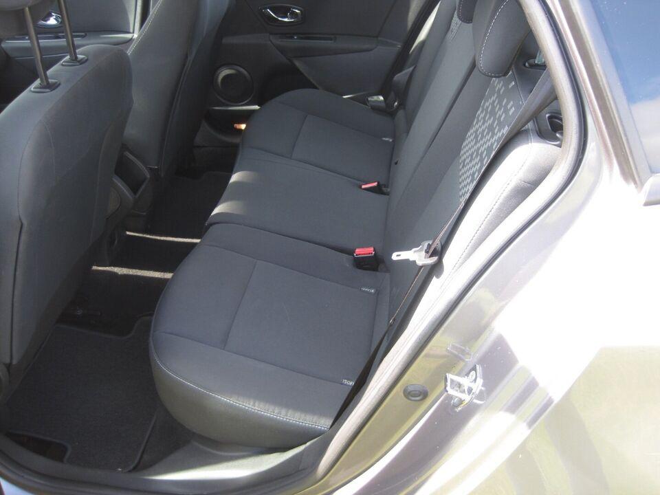 Renault Megane III 1,6 110 Expression ST Benzin modelår