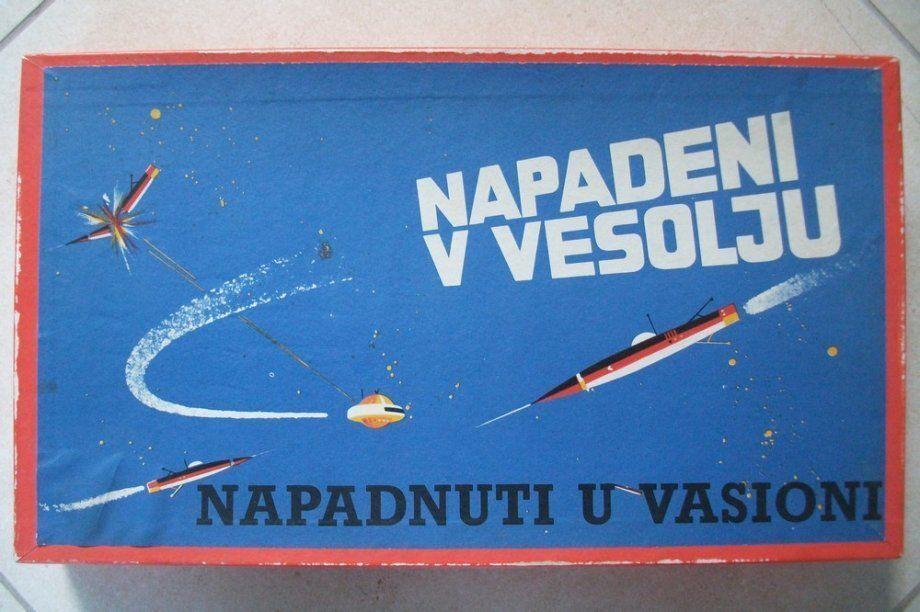 Napadeni v vesolju   Napadnuti u vasioni (Attacked In Space), vintage board game