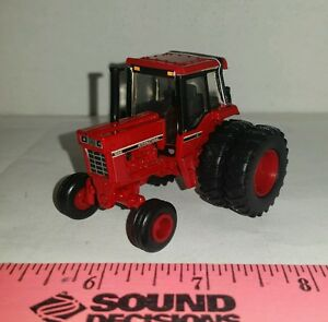 1//64 custom ERTL farm toys international ih 1086 tractor with front rock box